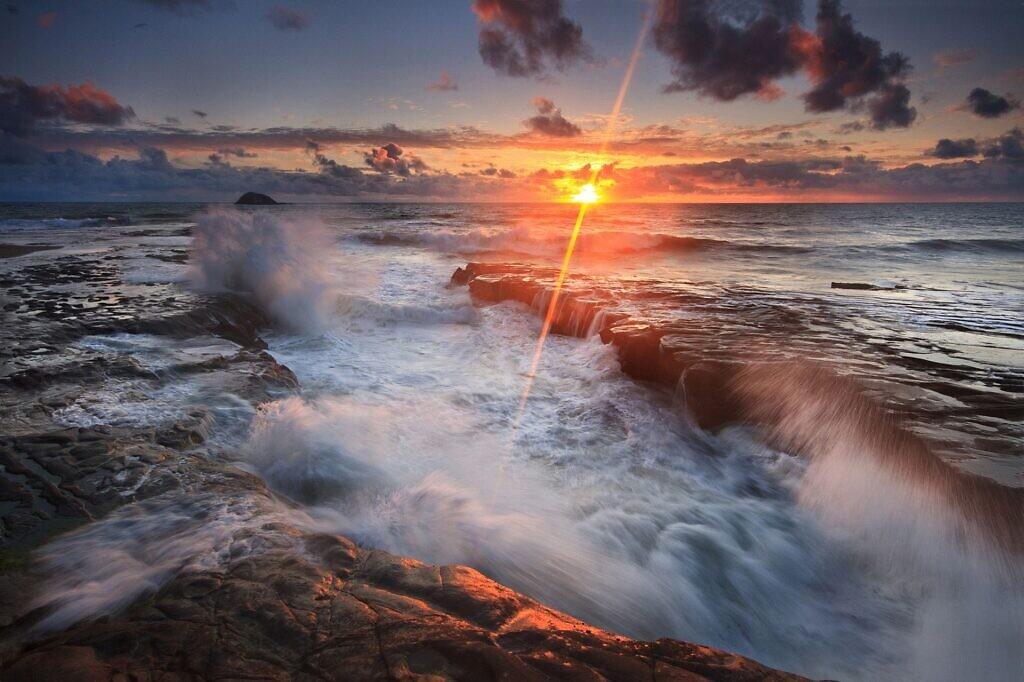 Muriwai waves