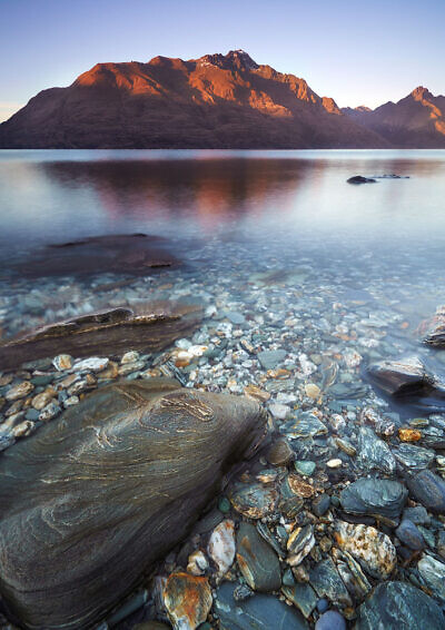 Lake Wakatipu shore