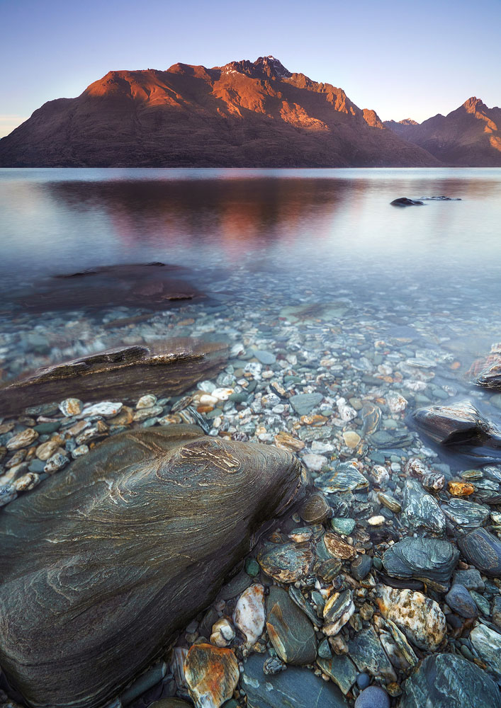 Lake Wakatipu shore